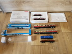 "Märklin H0 - 46194/4153/4097 - Three-part ""blast-furnace calcium"" carriage set , 2 TEE carriages and a container carriage"