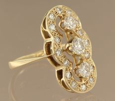 Yellow gold 14 kt princess ring set with 19 brilliant cut diamonds, approx. 1.40 carat in total