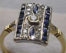 Art Deco  ring, 18 kt with diamond approx. 0.55 ct. and sapphires