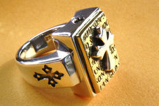 Cross on golden bible, 925 silver ring - size: 20.7 mm