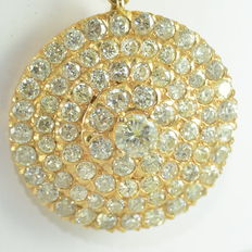 Gold necklace with pendant set with 96 diamonds, approximately 7.06 ct. ***NO RESERVE PRICE***