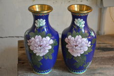Pair of cloisonné vases - China - second half 20th century