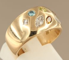 18 kt rose gold ring, set with cut diamond in various colours and shapes, approx. 0.73 ct in total, ring size 16.75 (53)