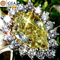 1.26 Ct Natural Fancy Yellow Diamond Solitaire Engagement Ring Untreated in 18 kt white gold – GIA Certified - No Reserve