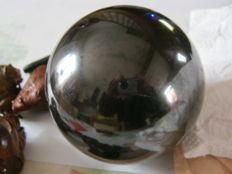Large Shungite sphere with matching foot - 120mm - 2970gm  (2)