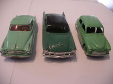 Dinky Toys-FR/GB - Scale 1/43 - Coupé Borgward Isabella No.549, Hillman Minx No.40f and Plymouth Belvedere No.24d