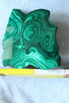 Malachite disc- 160 x 160 x 8mm -  647g