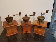 Three large antique coffee grinders - Netherlands - 1930/40