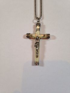 Cross in 925 silver and mother-of-pearl