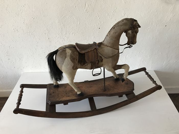 Leather oak rocking horse on wooden stand belgium ca for Stand belgique