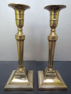 A large pair of George III candlesticks - England  - circa 1780
