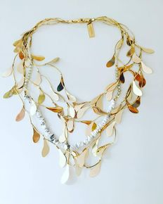 Max Mara necklace in a leaves-shaped pattern.