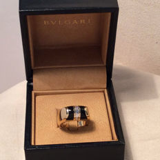 "Bulgari ""Tronchetto"" - 18 kt yellow gold ring with diamonds and onyx - Size: 12 / 52"