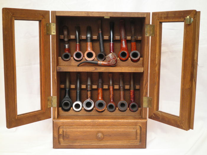 Attirant Pipe Cabinet With 15 Different Brands Of Pipes   Real Briar   Big Ben And  Many