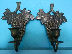 Set of two candle holders, grape