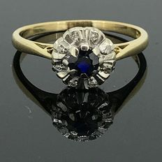 18 kt gold cocktail ring with natural diamonds and sapphire of 0.10 ct – No minimum price