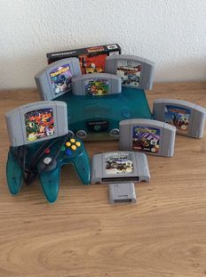 Nintendo 64 - Mario 64 Clear blue edition with 8 games and memocard.