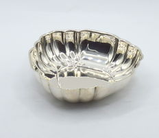 Perfectly designed  silver dish ,  international hallmarked 900