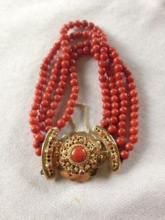 Red coral, 4-row bracelet