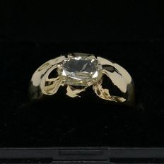 "8 kt Yellow gold vintage pinky ring with diamond, 0.935 ct VS2, ""L"" Top Cape"