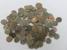 Roman Empire - Large collection of approx. 100 Roman copper/bronze coins - 3th-4th century AD
