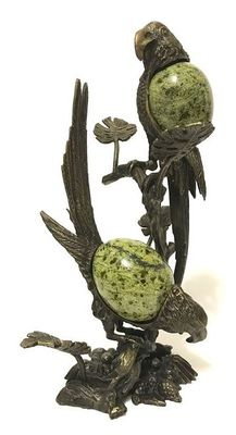 Fine Serpentine eggs set in Bronze Parrots figurine - 25.5cm - 1296gm