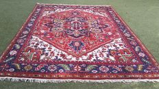 Nice hand-knotted oriental carpet, 353 x 247 cm, Note! No reserve price, bidding starts at €1.-