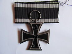 Iron Cross 2nd Class, 1914 -- Manufacturer's Mark