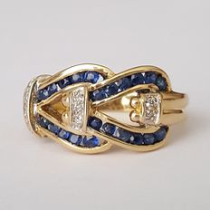 18 kt gold. Ring with sapphires and diamonds Size: 17.8 mm. 15.5 16 (Spain)