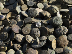 Spain - Excellent lot of 200 buttons, period:  Roman, Medieval, Colonial, 19th century