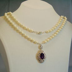 Real Akoya pearl necklace with large pendant with amethyst 5.5ct.