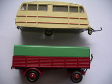 Dinky Toys-France - Scale 1/43-1/48 - Lot of Caravane No.811 and covered trailer No.70