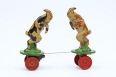 "VEB MSB, DDR - Length 18 cm - Tin wind-up ""Battling Goats"", 1950s"