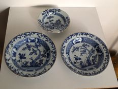 Plates and porridge bowl – China – 18th century