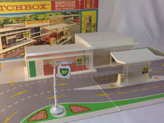 Lesney Matchbox - Scale 1/60 - BP Service Station with Forecourt MG-1