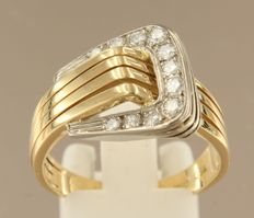 18k bi-colour gold ring set with 11 brilliant cut diamonds, approx. 0.35 carat in total TW/W VS/SI ****no reserve price****