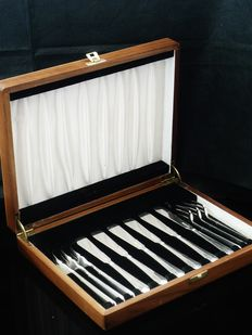Art Deco Canteen of Silver Fish Cutlery, Roberts & Belk Ltd, Sheffield 1944