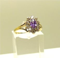 Vintage gold ring set with oval cut Amethyst & 10 Zircon accents
