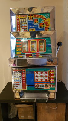 Slot Machine BALLY - Casino piece - Las Vegas one arm bandit.