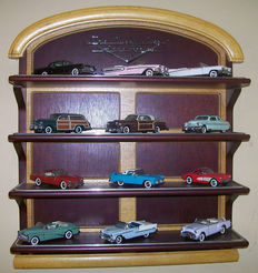 Franklin Mint - 1/43 scale - Lot of 12 classic cars of the fifties with special wooden display case