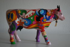 Alessandro Calo for Cow Parade - type 'Mucca Hippie' - Large