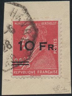 France 1928 - Airmail, Berthelot 10 f. on red 90 c., fragment, signed Calves with digital certificate - Yvert no. 3.