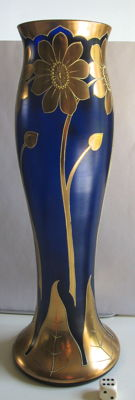 Glasfabrik Schliersee (attr.) - Iridescent cobalt-blue Art Nouveau vase with stylised floral decoration