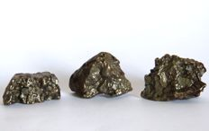 Meteorites - Field of heaven — 3.6 x 2.6 - 3.8 x 2.7 and 1.8 x 3.2 cm - 115 g (3)