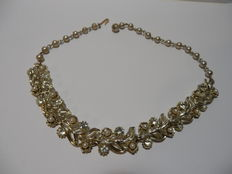Lisner – Golden necklace with crystals and pearls