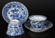 Set antiek porselein thee kop en schotels - China - ca. 1700 ( Kangxi periode )