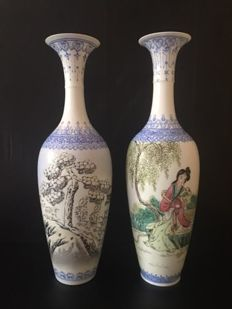 Lot of Two Finely hand-painted Famille Rose eggshell porcelain vase  from Jingdezhen  - China - second half 20th Century.