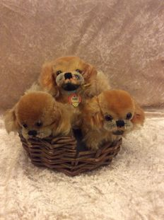 3 Steiff Pekineses in dog basket