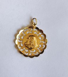 Gold Pendant, 18 Kt, 4,2 grams, with the face of the Virgin Mary.