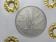 Republic of Italy – 1958 'Olive branch' 2 Lira coin